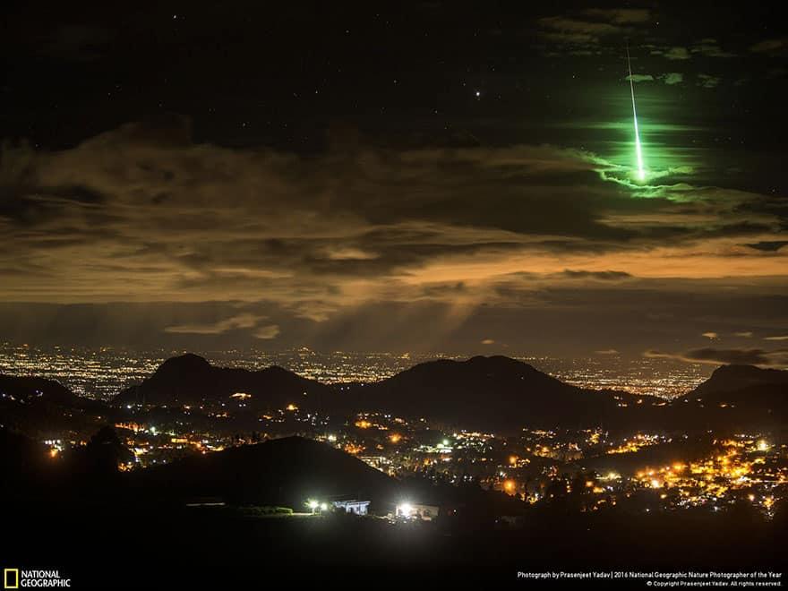 Падение зеленого метеора в Индии