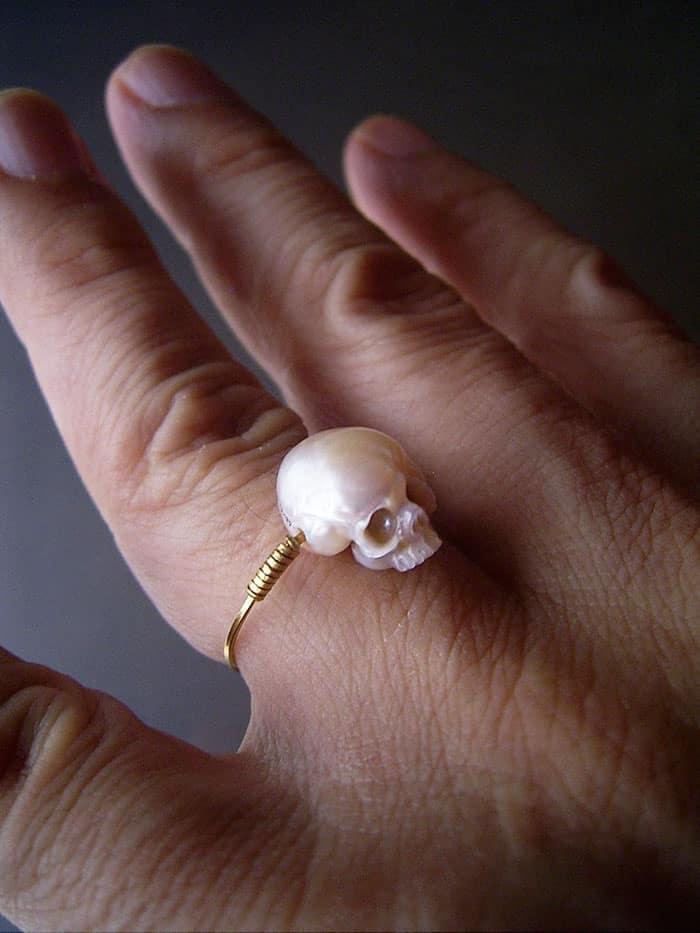 Колечко с черепом