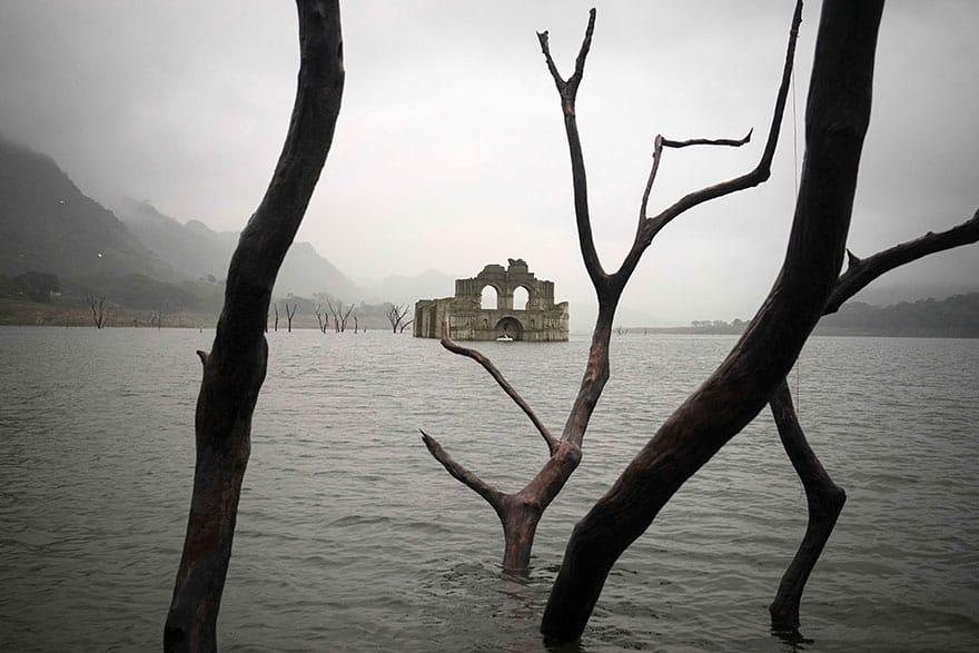 Засуха помогла людям увидеть храм