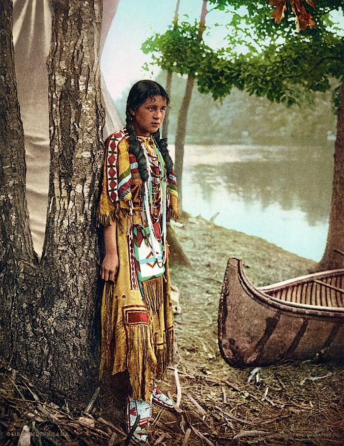 Индейская красивая женщина