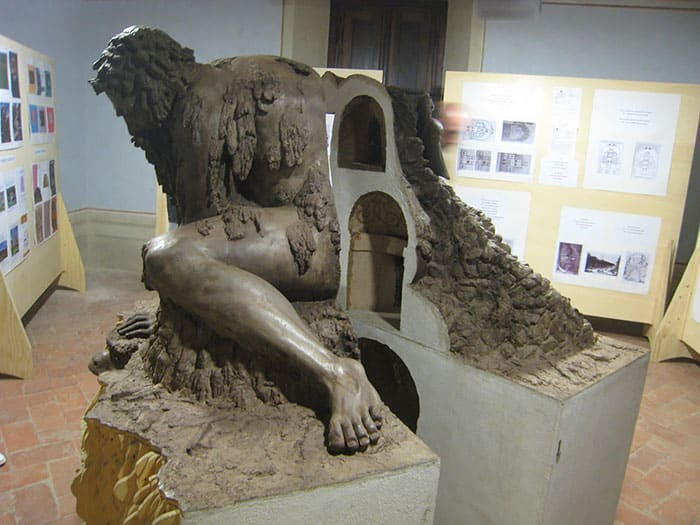 Скульптура Колосса на Апениннах