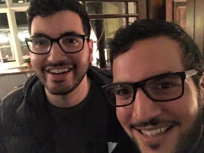 Чужие одинаковые парни
