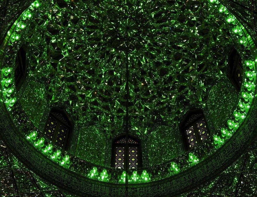 Великолепие купола Шаха Света