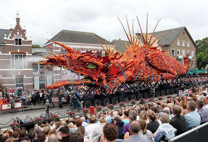 Праздничное шествие в Голландии