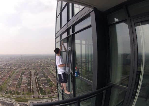 Без страховки на небоскрёбе