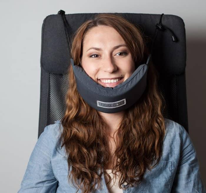 Аксессуар для поддержки головы пассажира