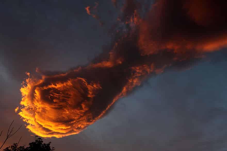 Грозное облако в небе Португалии