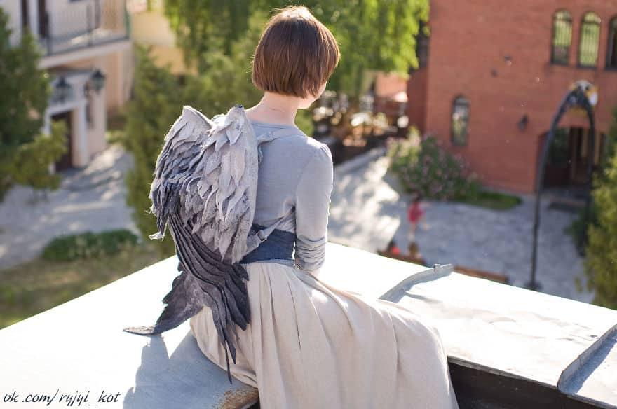 Крылышки на спине