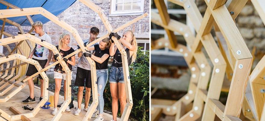 Студентки строят слуховые конструкции