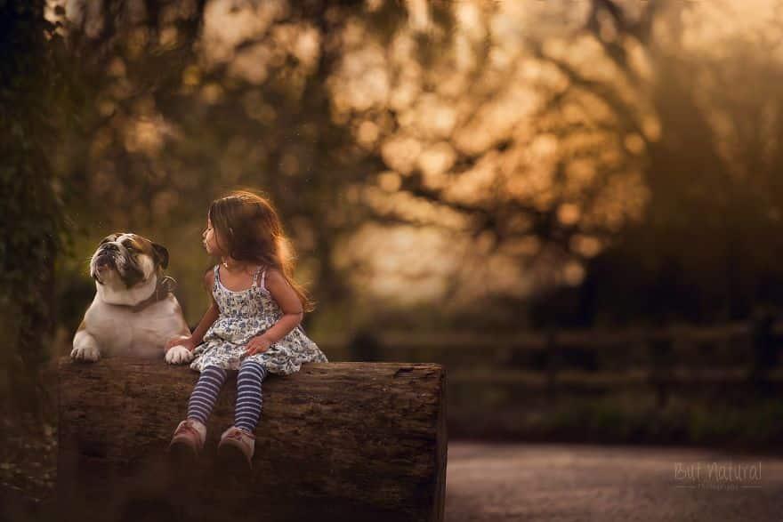 Дружба девочки с собакой
