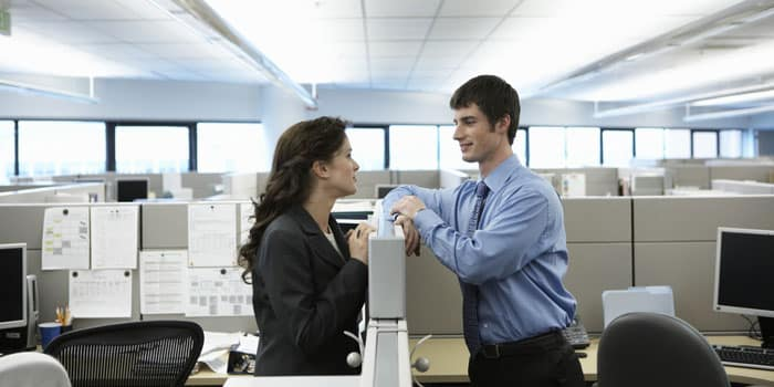 Офисные отношения