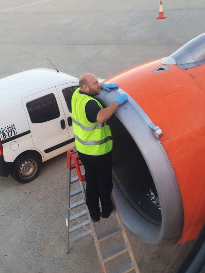 Предполетная подготовка самолета