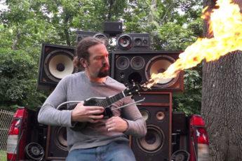 Гавайская гитара с огнем