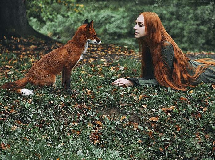 Девушка и лисица