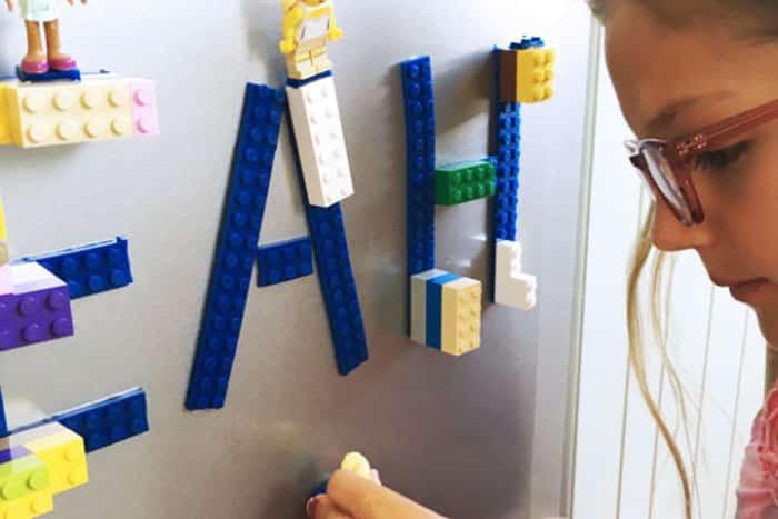 Лента Лего на стене 2