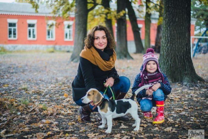 Мама, дочка и собака