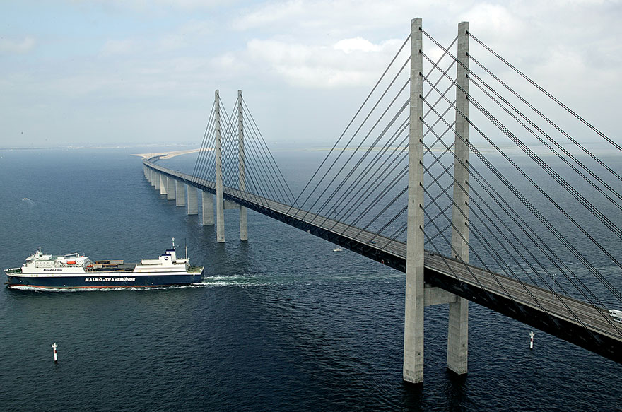 Мост между Данией и Швецией