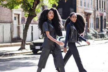 Роскошные прически сестёр сводят с ума прохожих