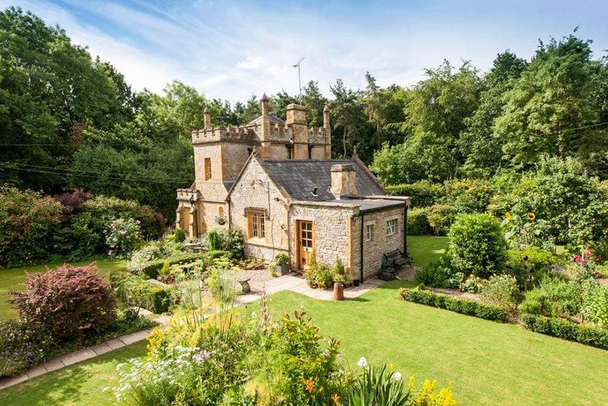 старинный замок в Англии
