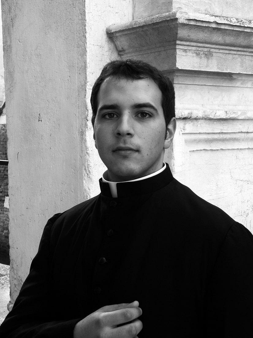 Самый красивый монах в Риме