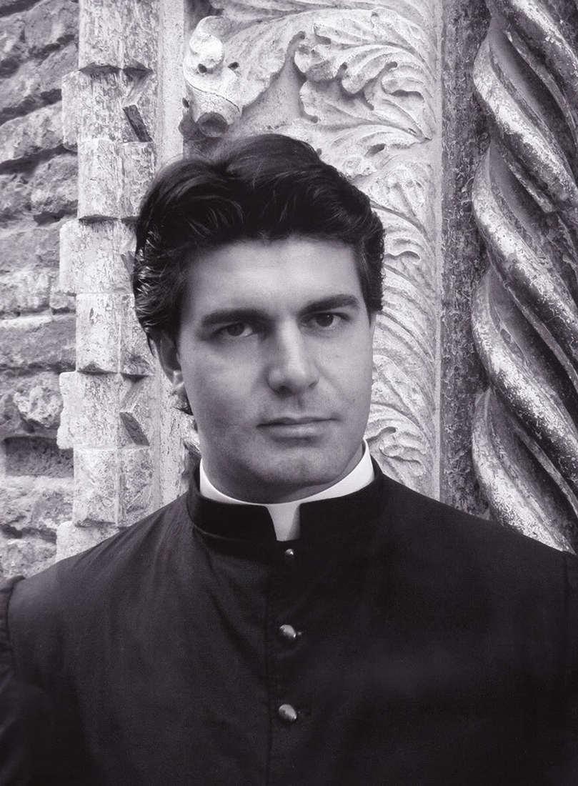 Сексуальный священник в Ватикане