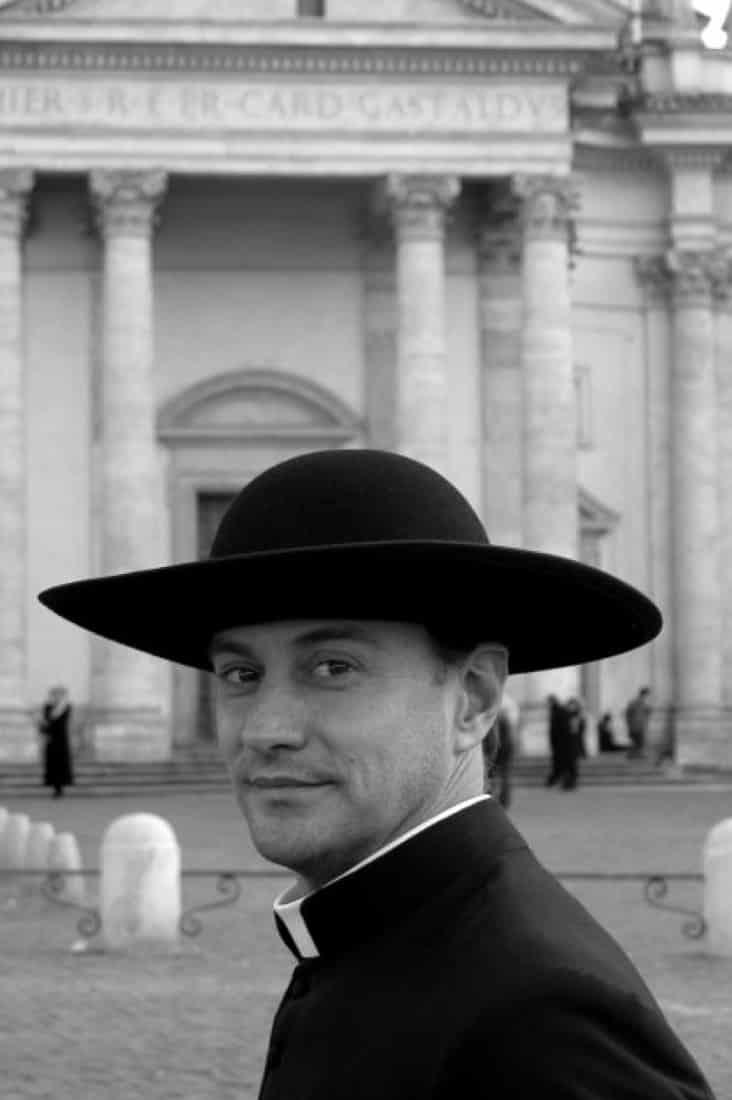 Монах в Ватикане