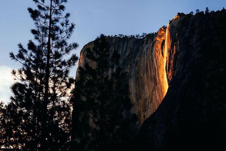 Извержение водопада