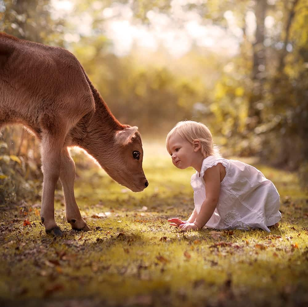 Трогательное фото детей с животными