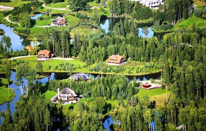 Экологически чистое поселение в Латвии