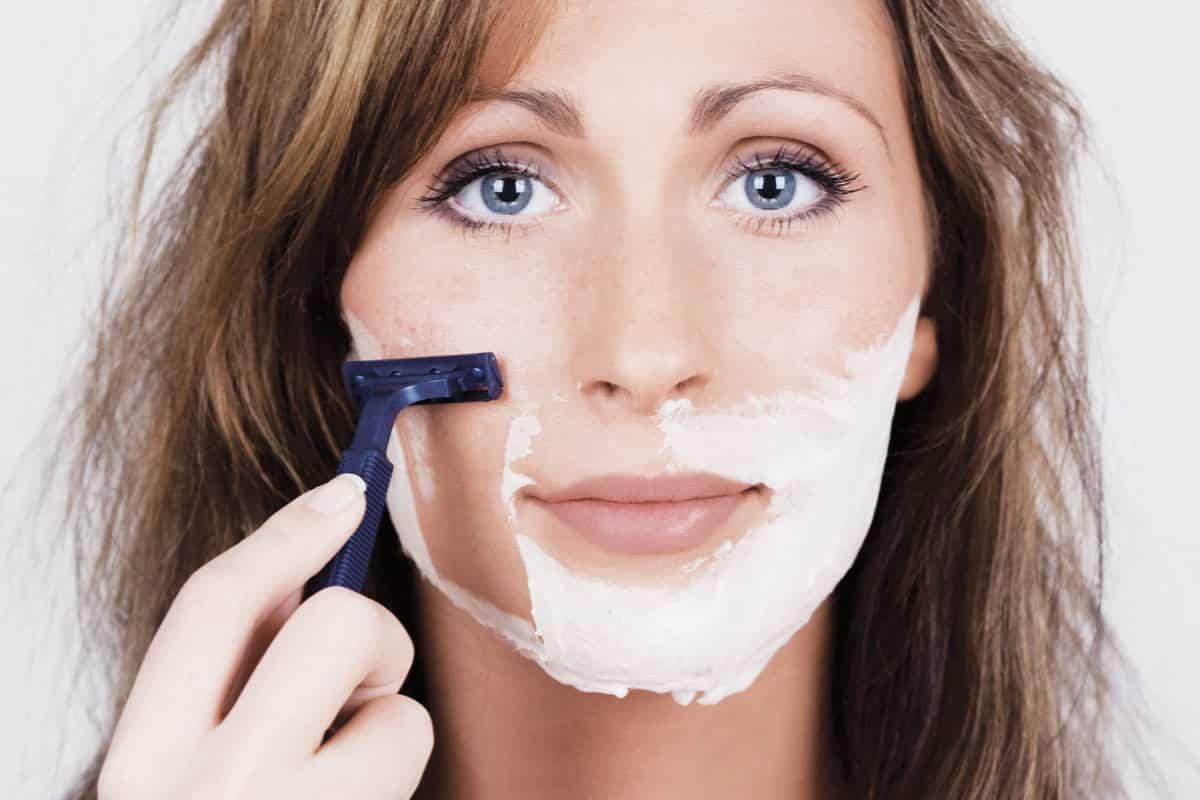 Дермапланинг - процедура бритья лица для... женщин