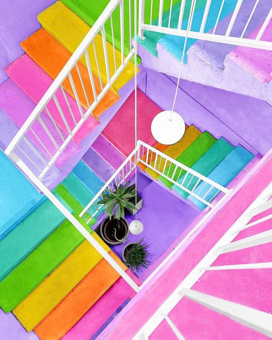 steps_rainbow